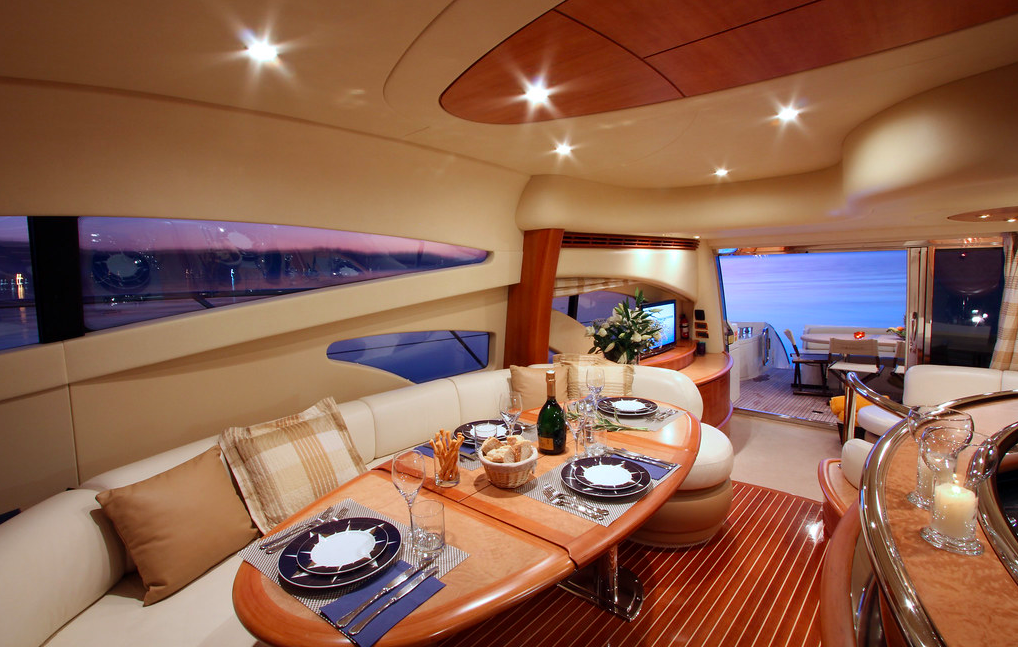 Azimut 62 Evo yacht for sale dining