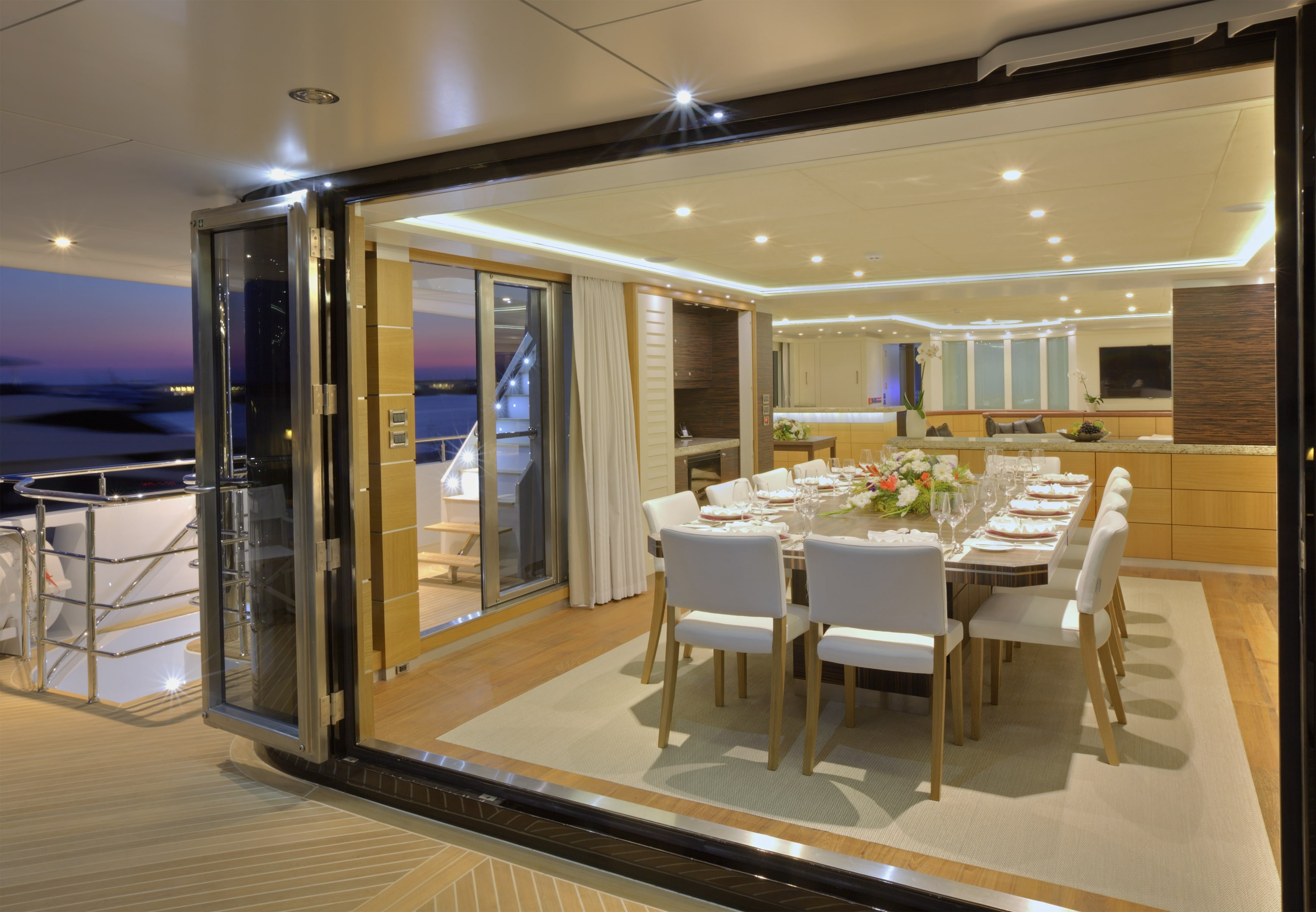 Curvelle Quaranta Yacht For Sale Saloon deck Dining1-min