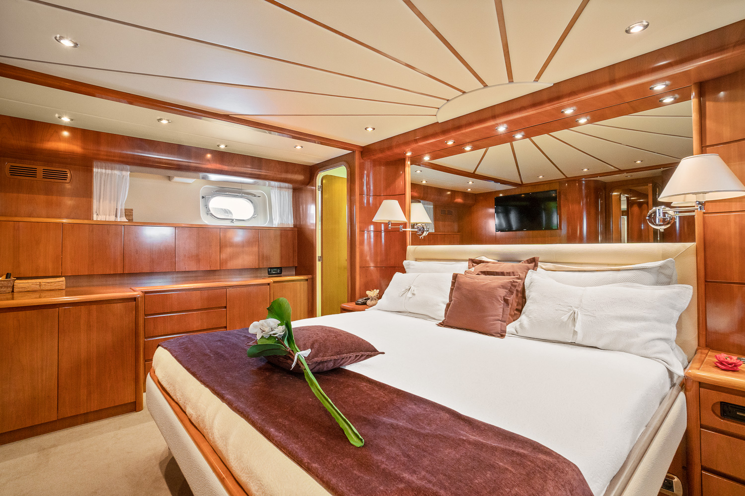 Falcon 90 Yacht For Sale Master Cabin 1-1