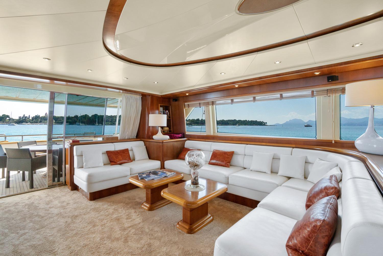 Falcon 90 Yacht For Sale Salon