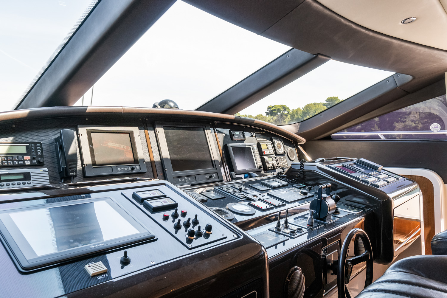 mangust 92 yacht for sale116