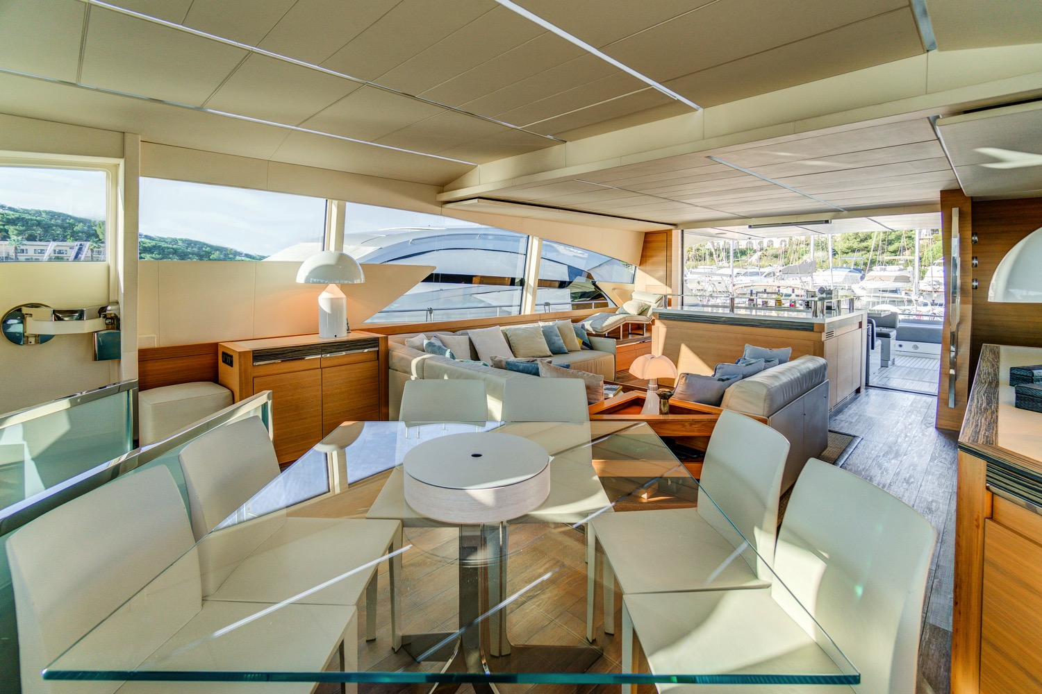 Pershing-92-Doris-yacht-for-sale-24
