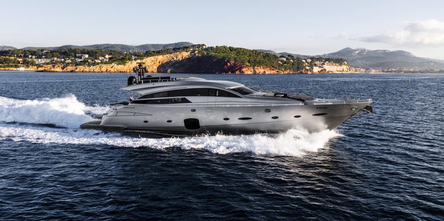 Pershing-92-Doris-yacht-for-sale-45