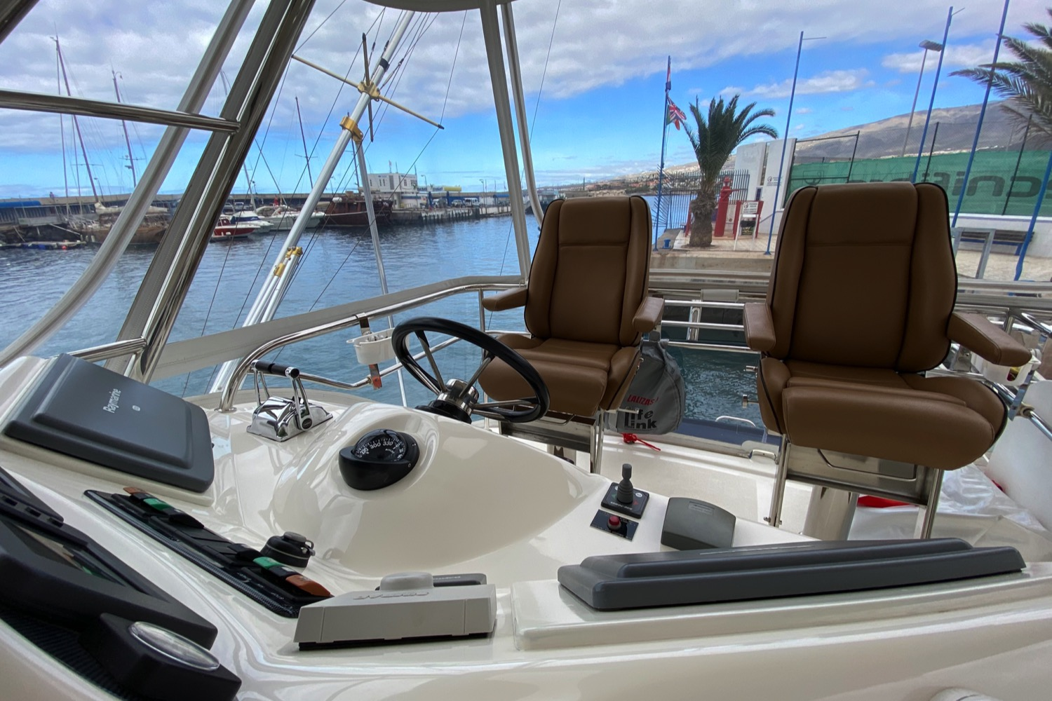 Riviera 47 Fly Yacht For Sale 1