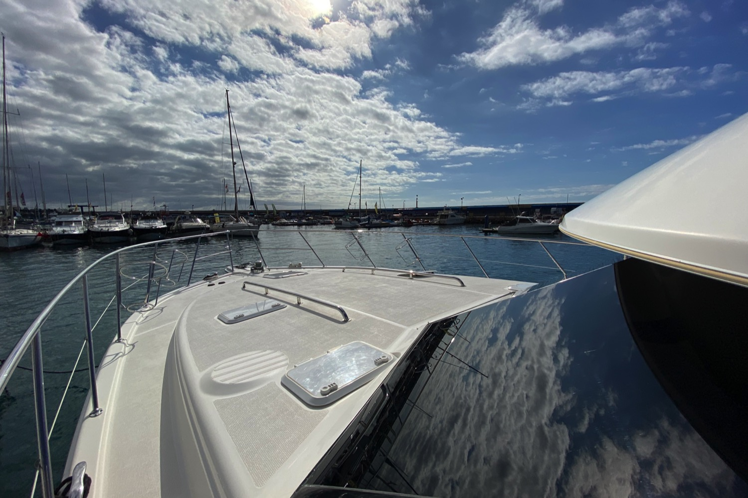 Riviera 47 Fly Yacht For Sale 14