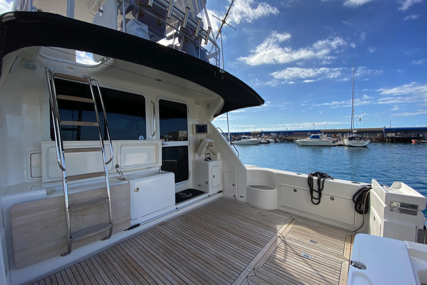 Riviera 47 Fly Yacht For Sale 15