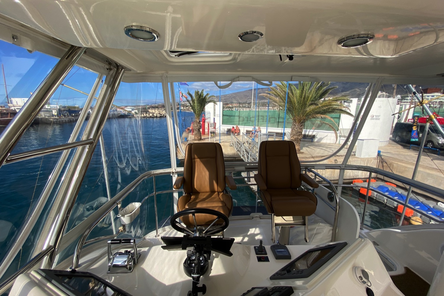 Riviera 47 Fly Yacht For Sale 17