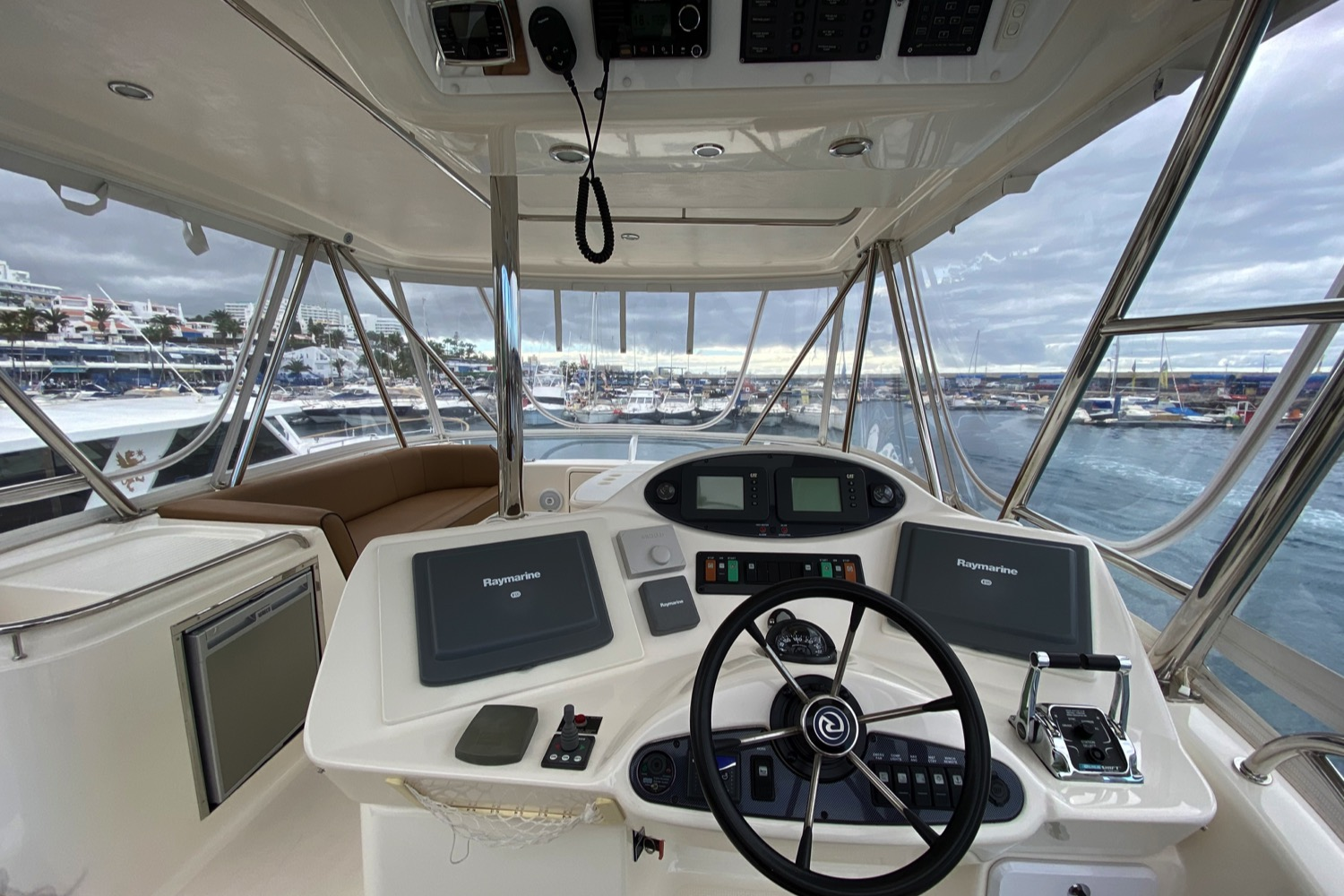Riviera 47 Fly Yacht For Sale 2