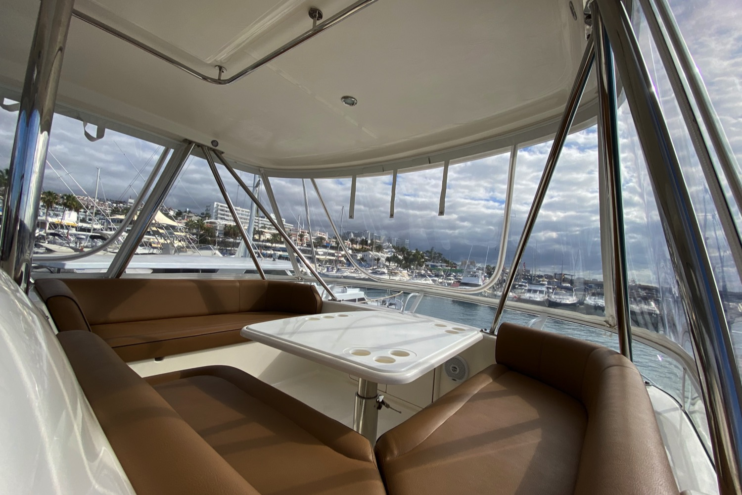 Riviera 47 Fly Yacht For Sale 21