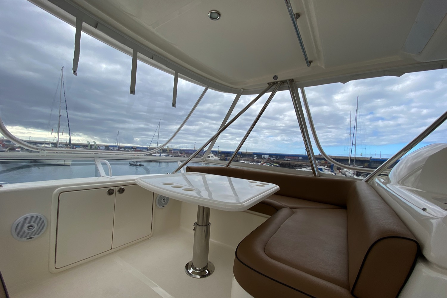 Riviera 47 Fly Yacht For Sale 3