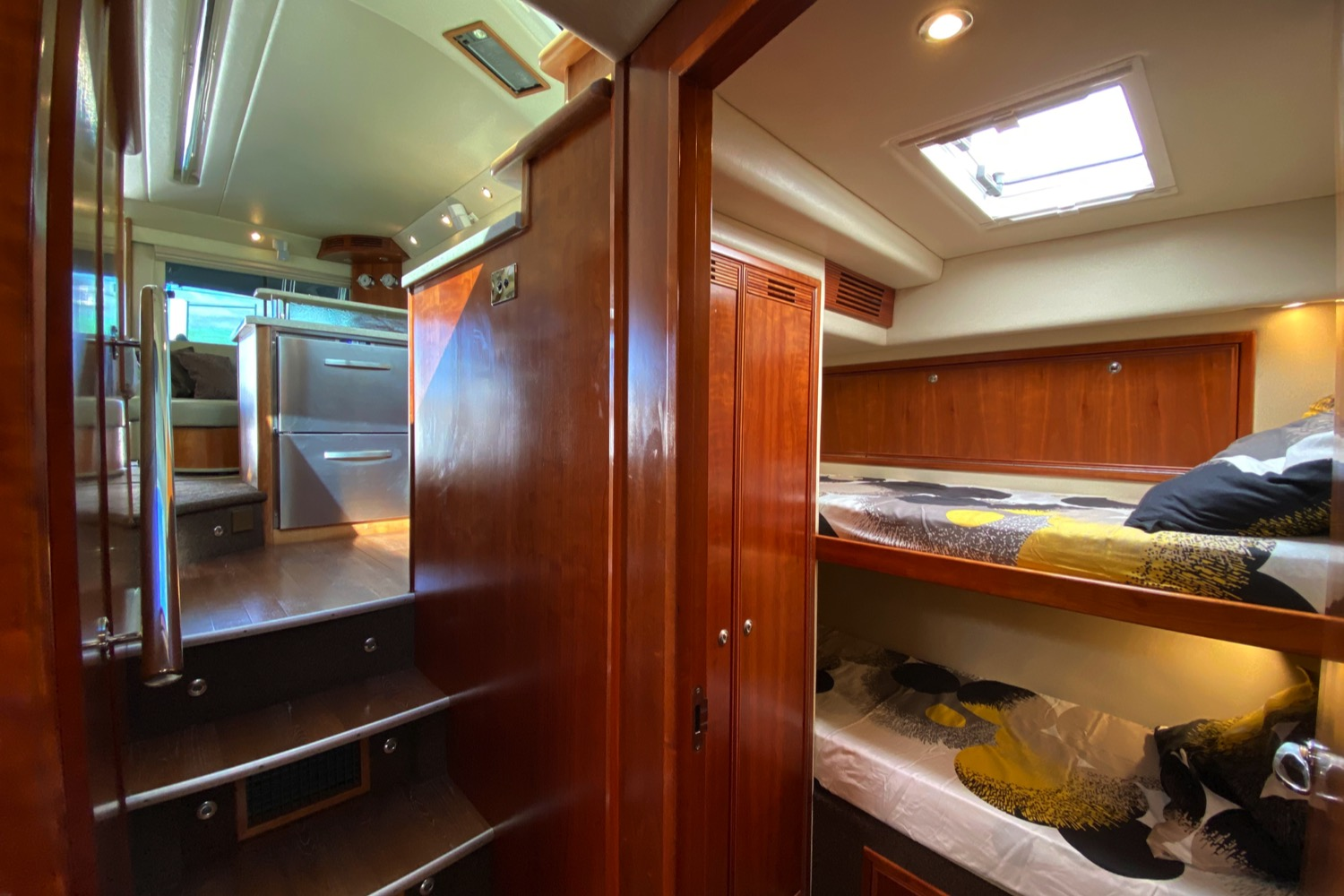 Riviera 47 Fly Yacht For Sale 69