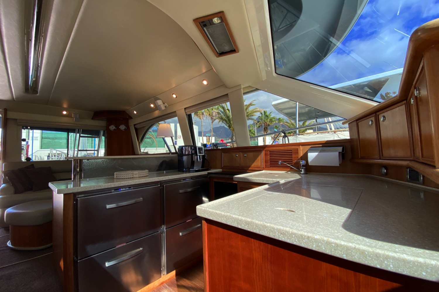 Riviera 47 Fly Yacht For Sale 73