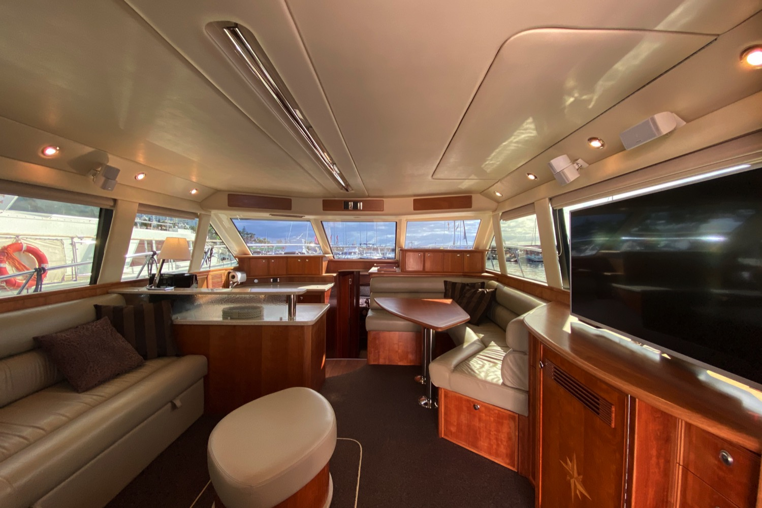 Riviera 47 Fly Yacht For Sale 75