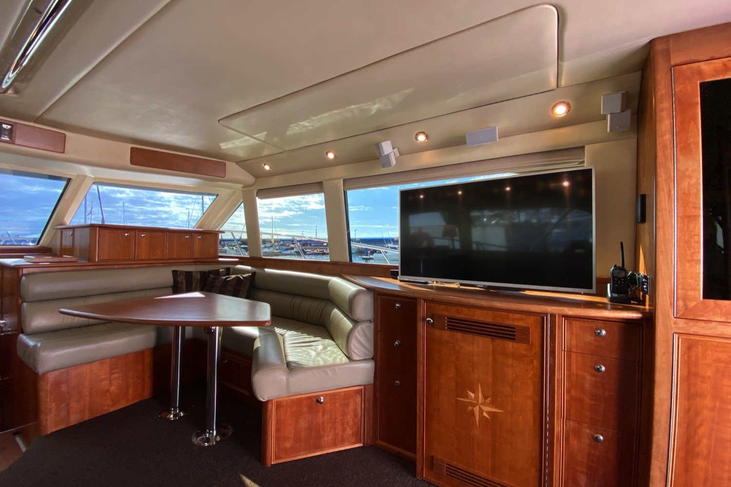 Riviera 47 Fly Yacht For Sale 76