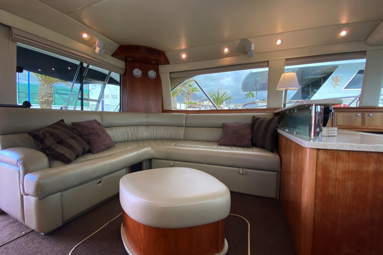 Riviera 47 Fly Yacht For Sale 82