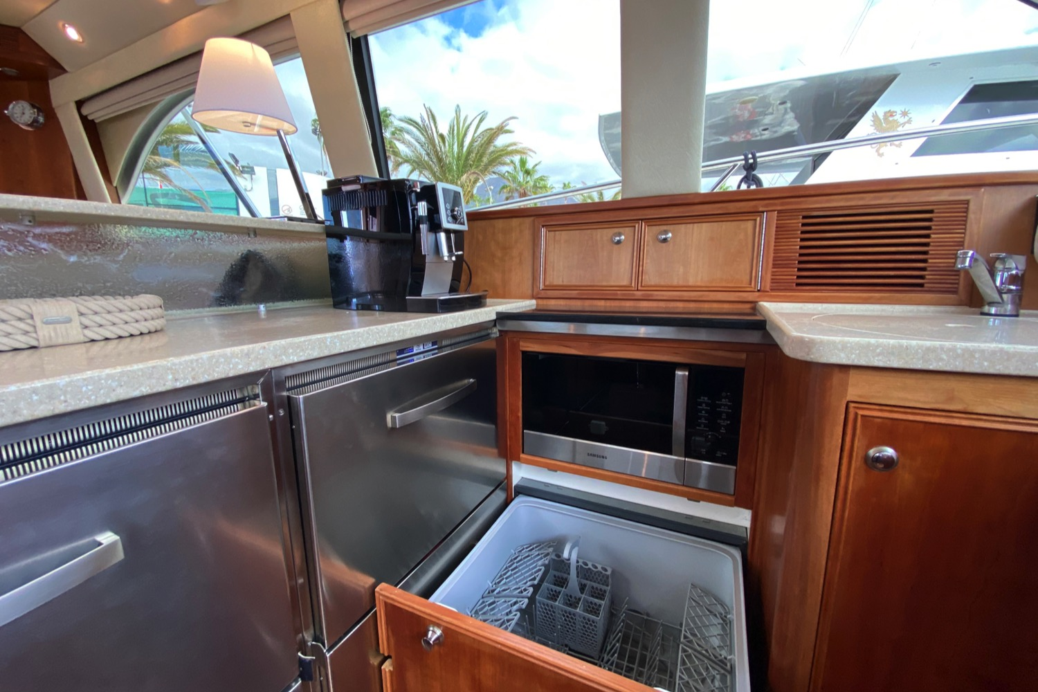 Riviera 47 Fly Yacht For Sale 86