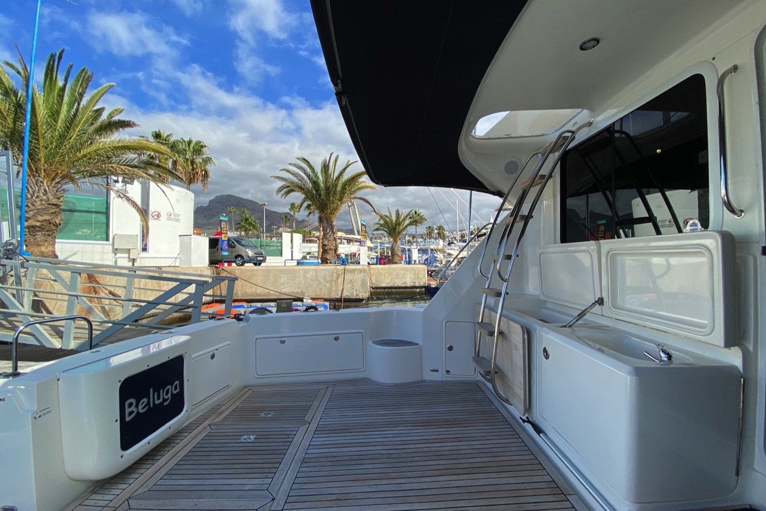 Riviera 47 Fly Yacht For Sale 9