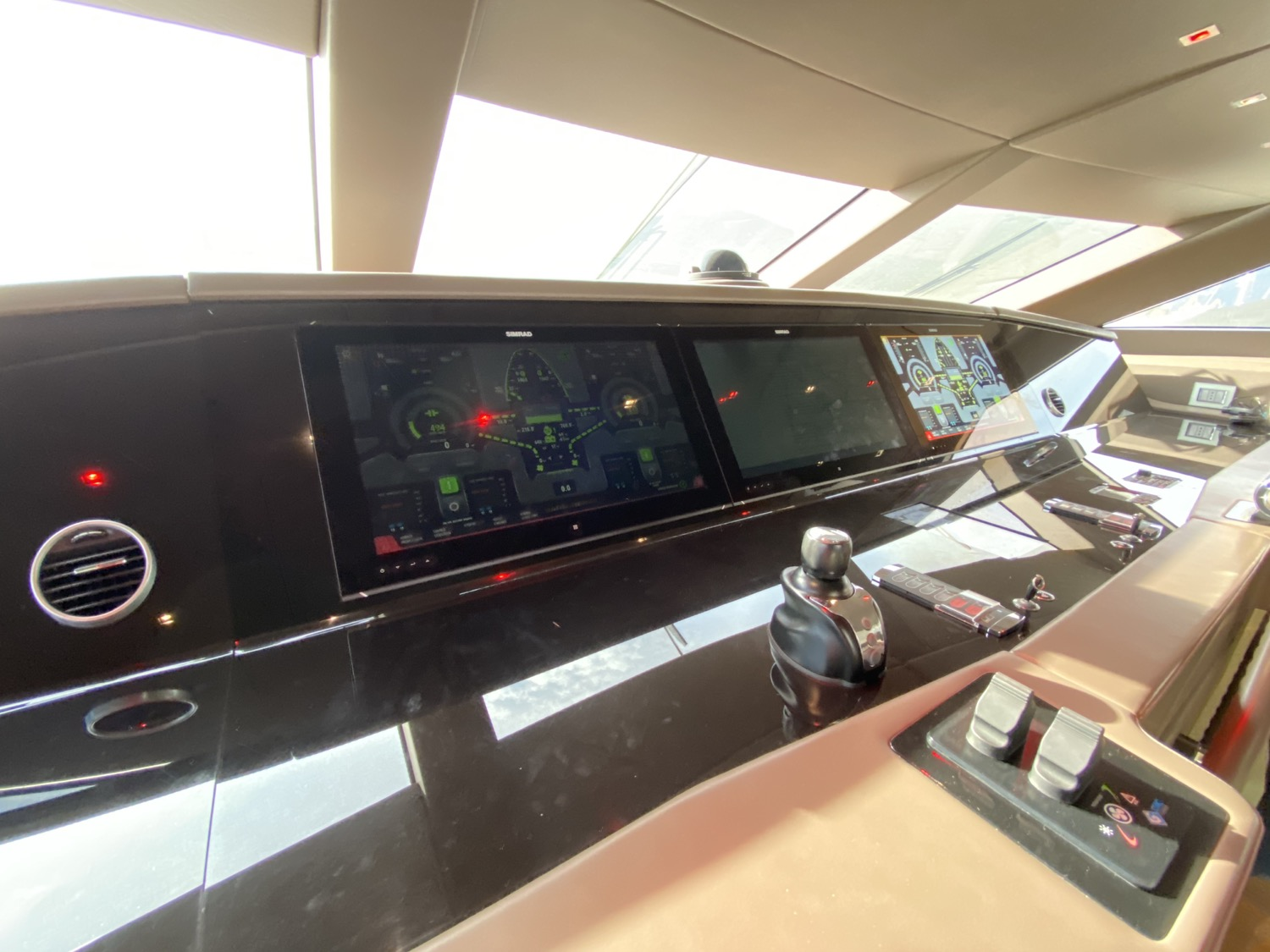 2015 Sanlorenzo SL106 THE PHAT BOAT interior 25