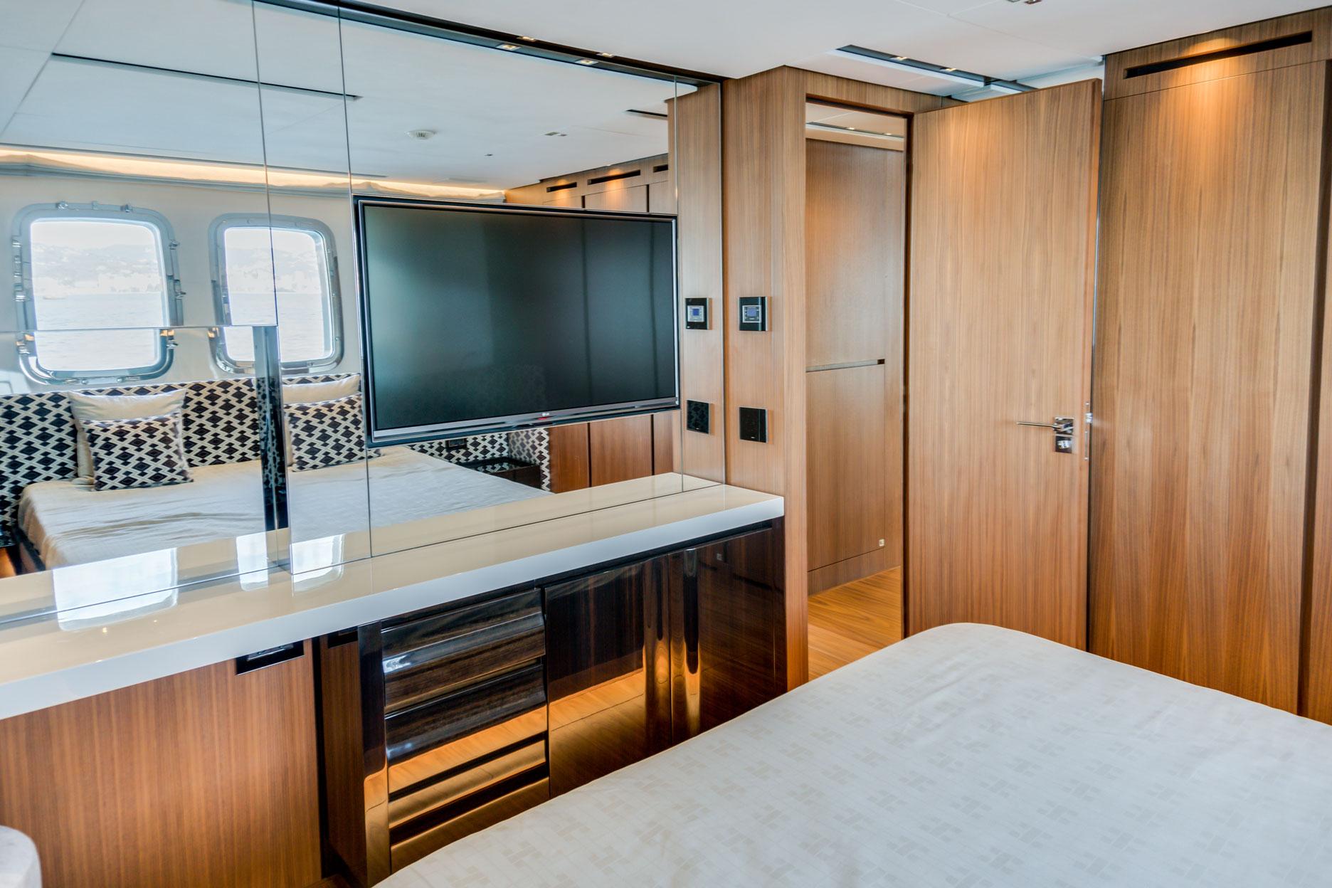 Sanlorenzo SL106 yacht for sale - Guest Cabin