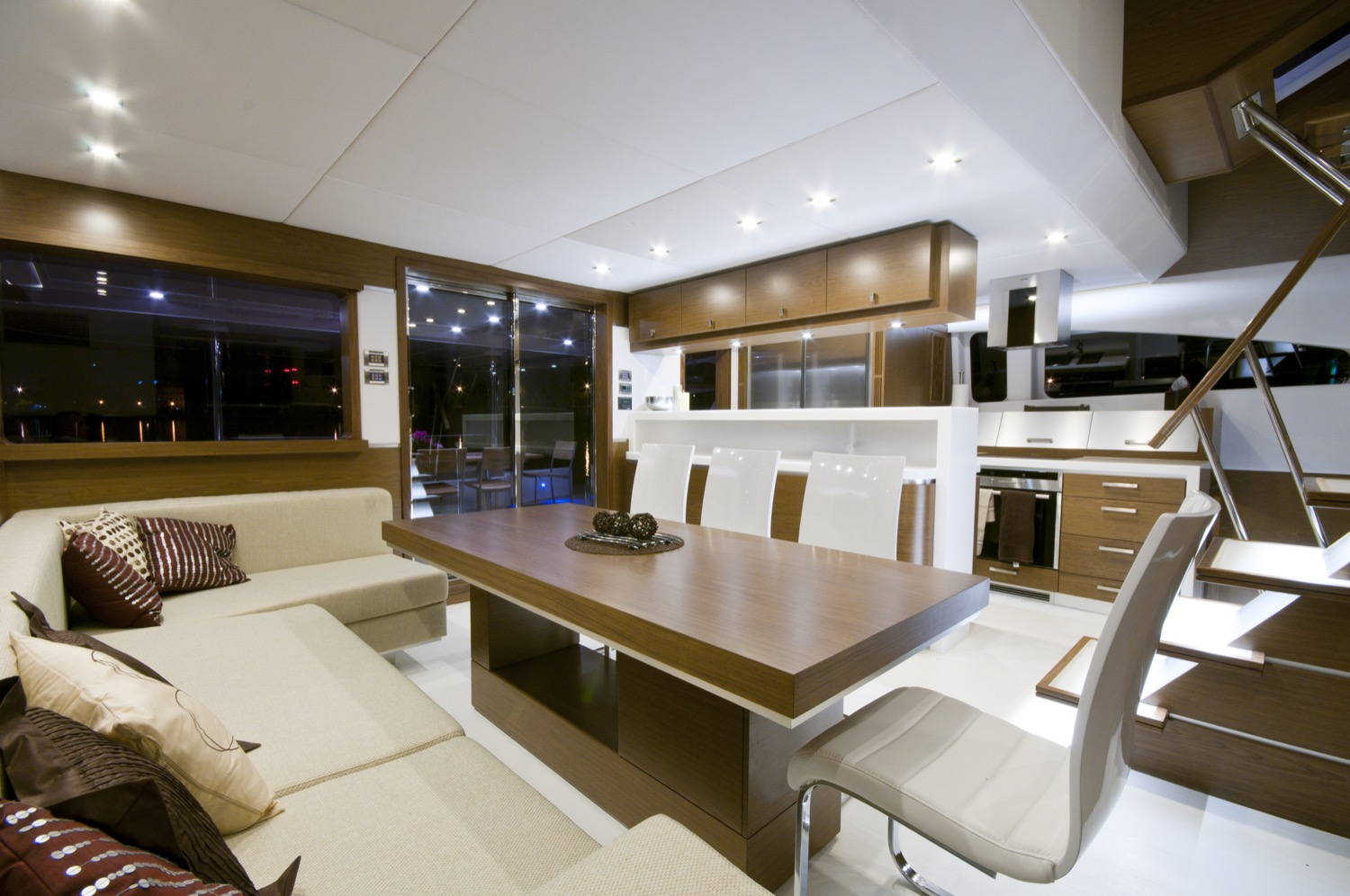 sunreef 70 power yacht for sale dining