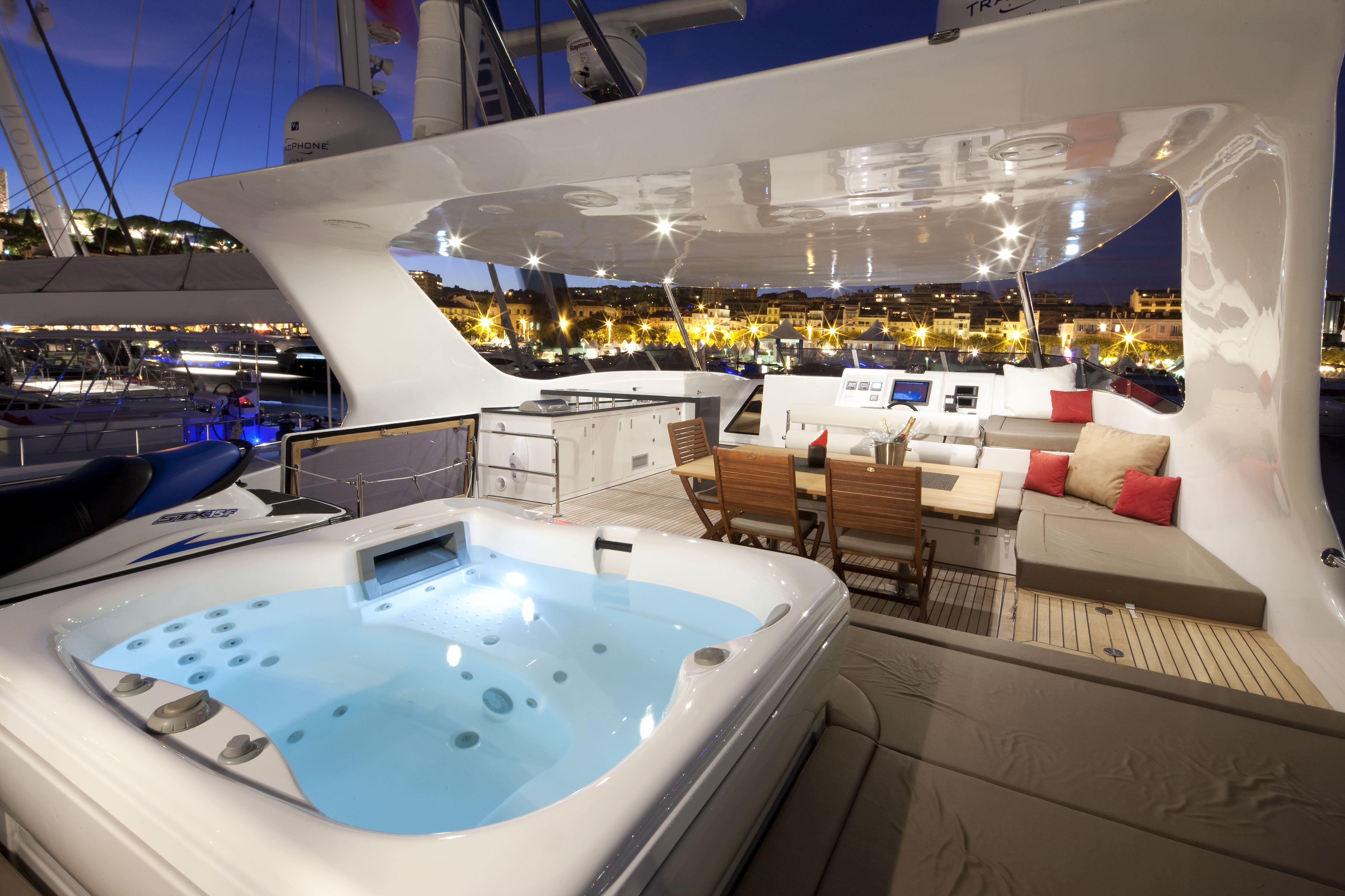 sunreef 70 power yacht for sale flybridge 1-min