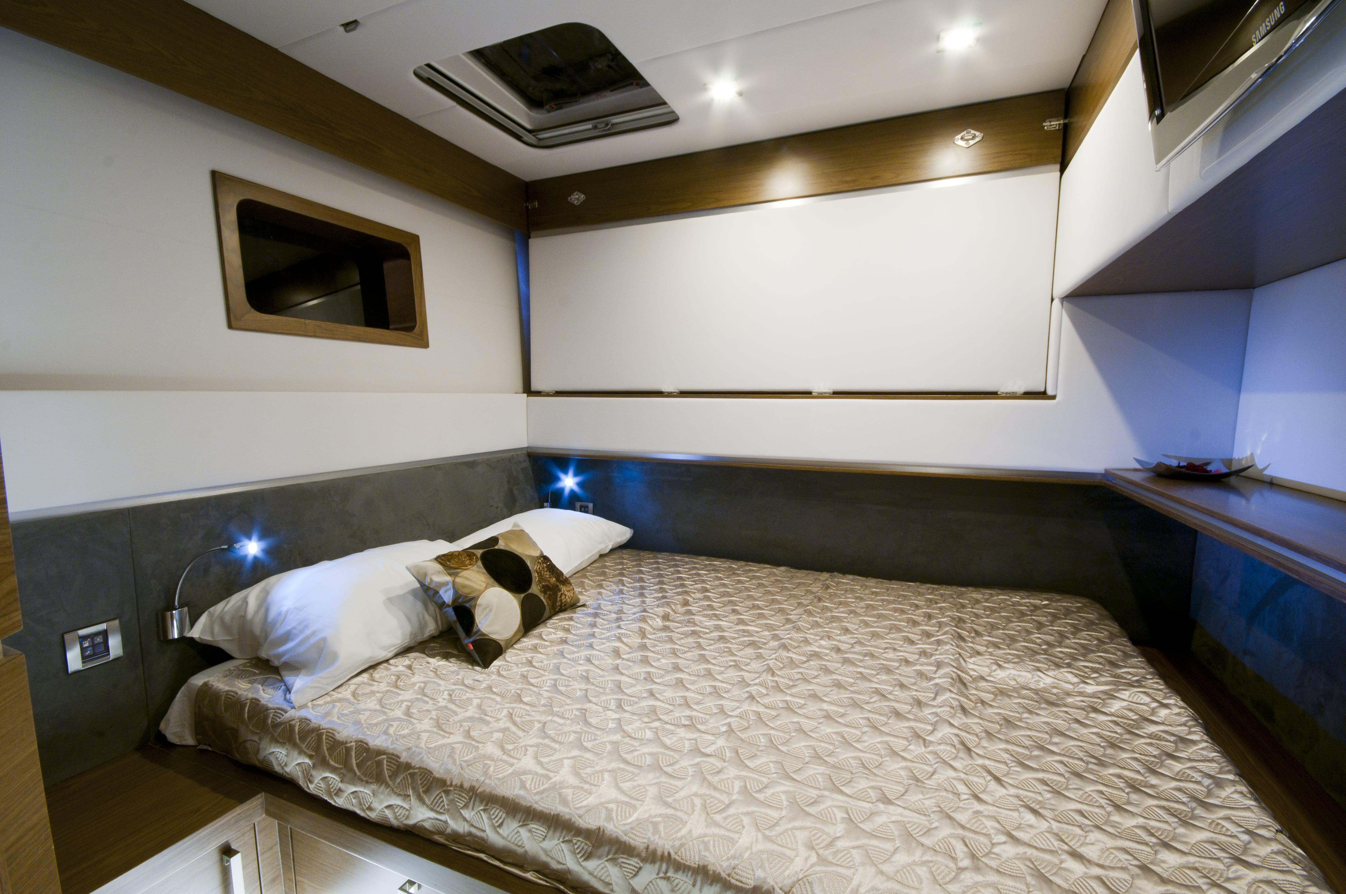 sunreef 70 power yacht for sale guest cabin 2-min