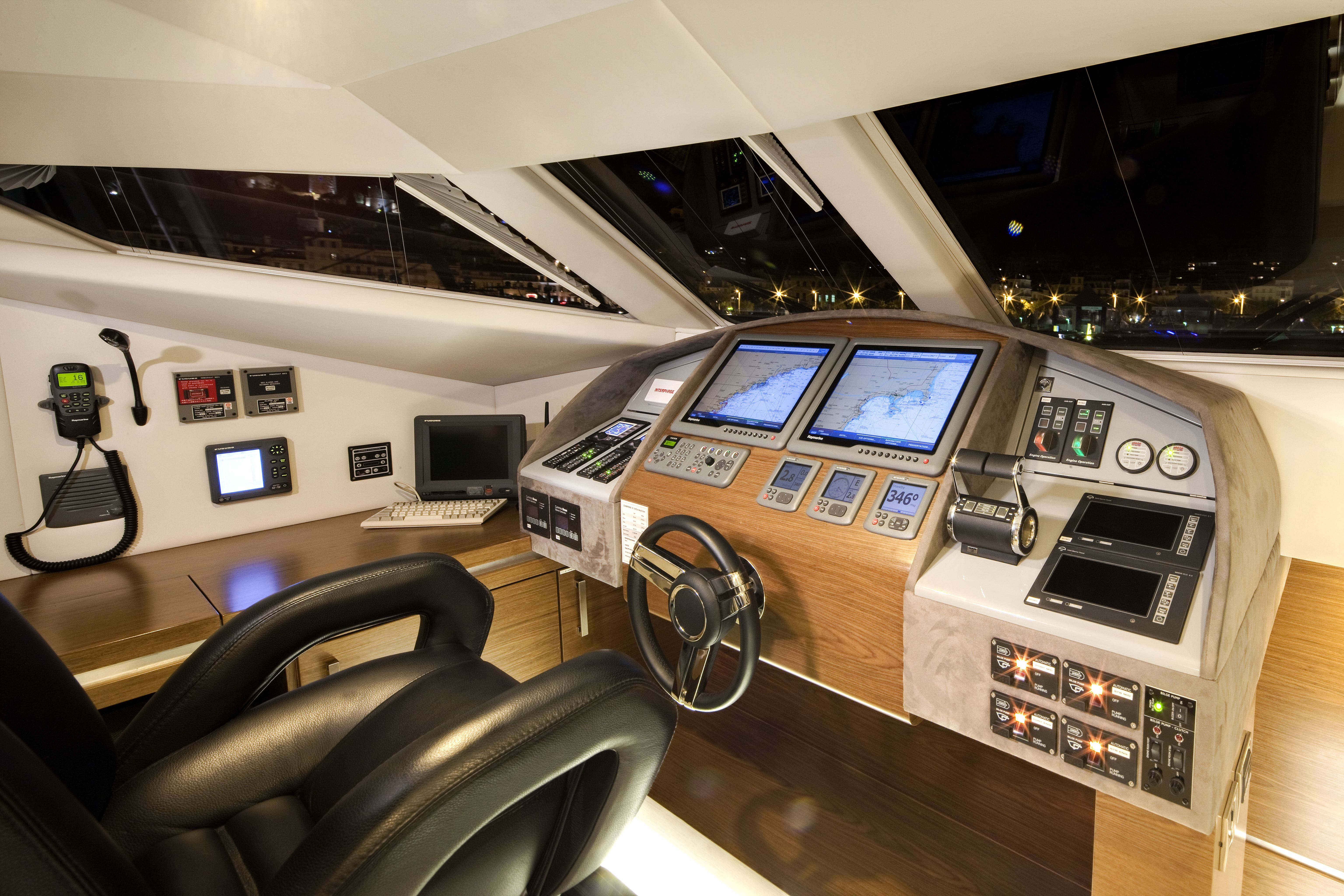 sunreef 70 power yacht for sale pilothouse 1-min
