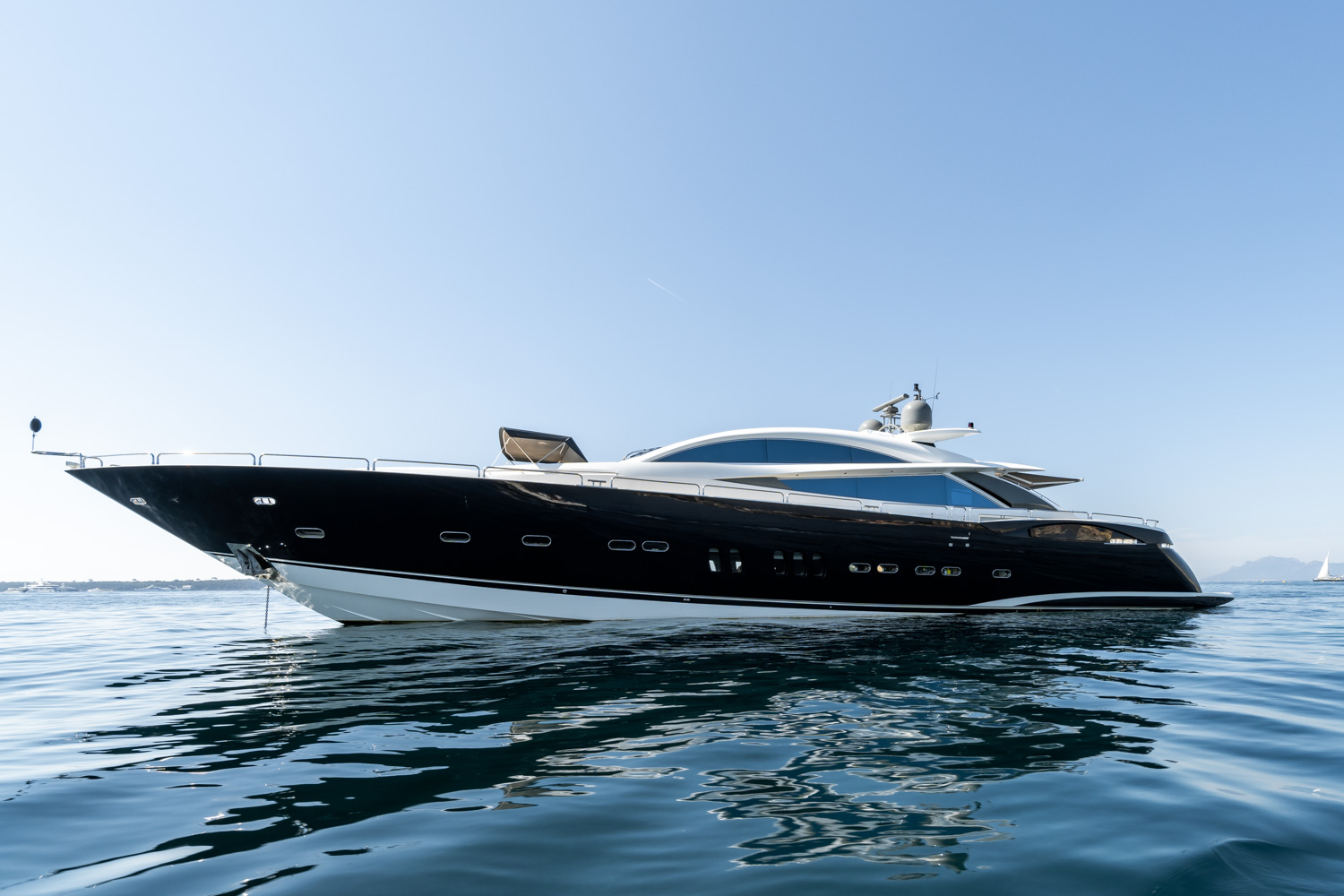 sunseeker 108 yacht for sale 7