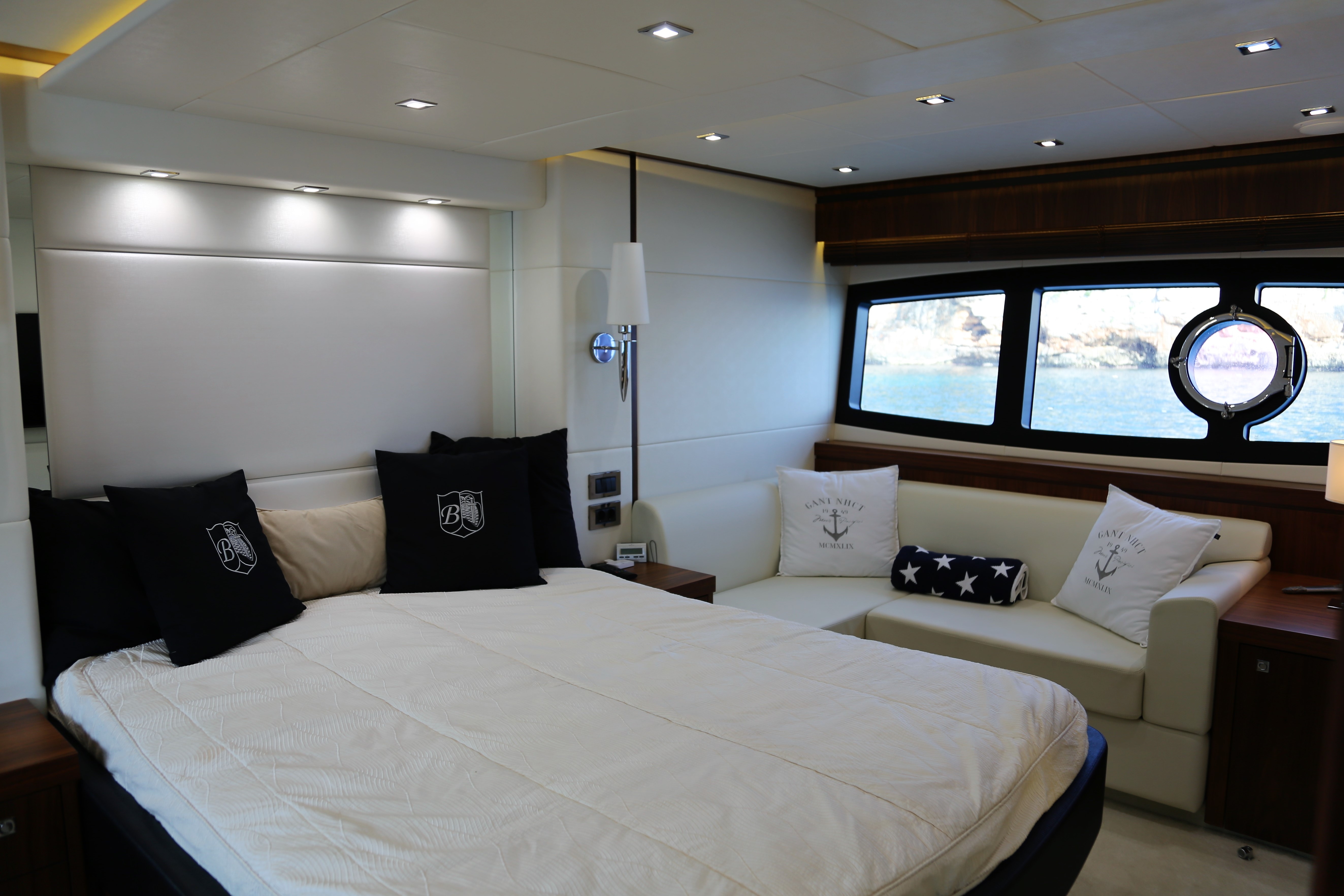 sunseeker manhattan 73 yacht for sale 1