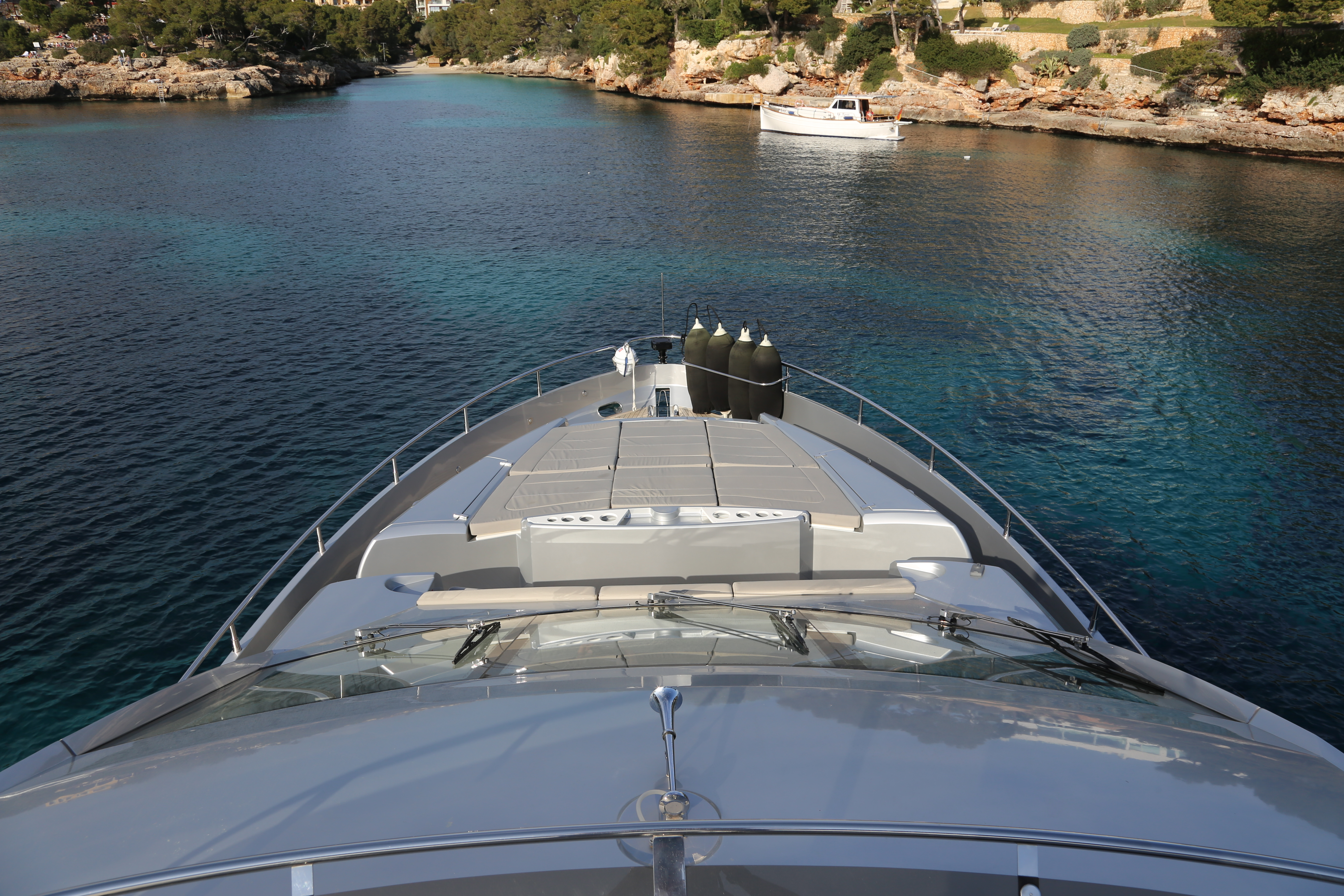 sunseeker manhattan 73 yacht for sale 14