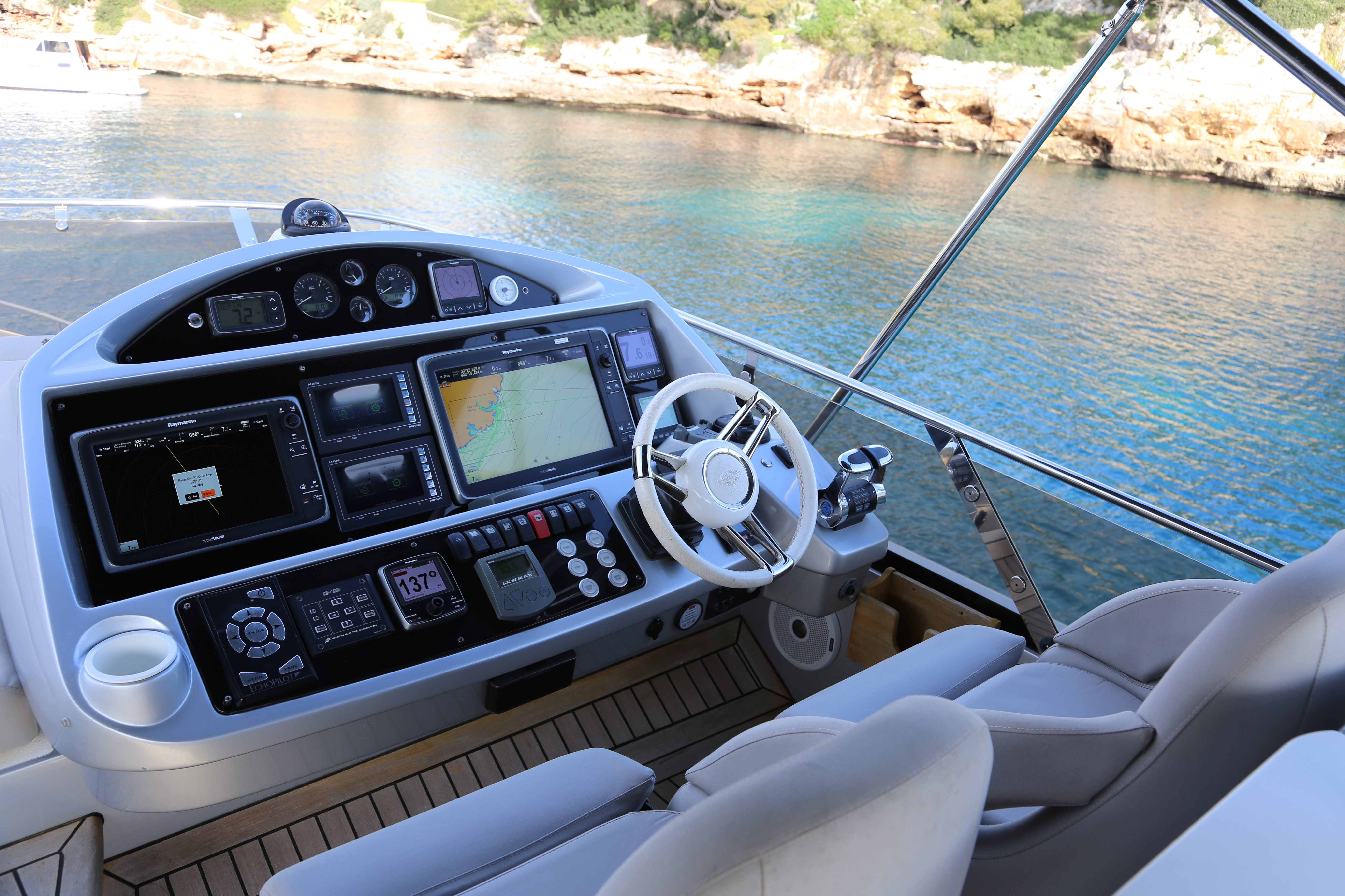 sunseeker manhattan 73 yacht for sale 15