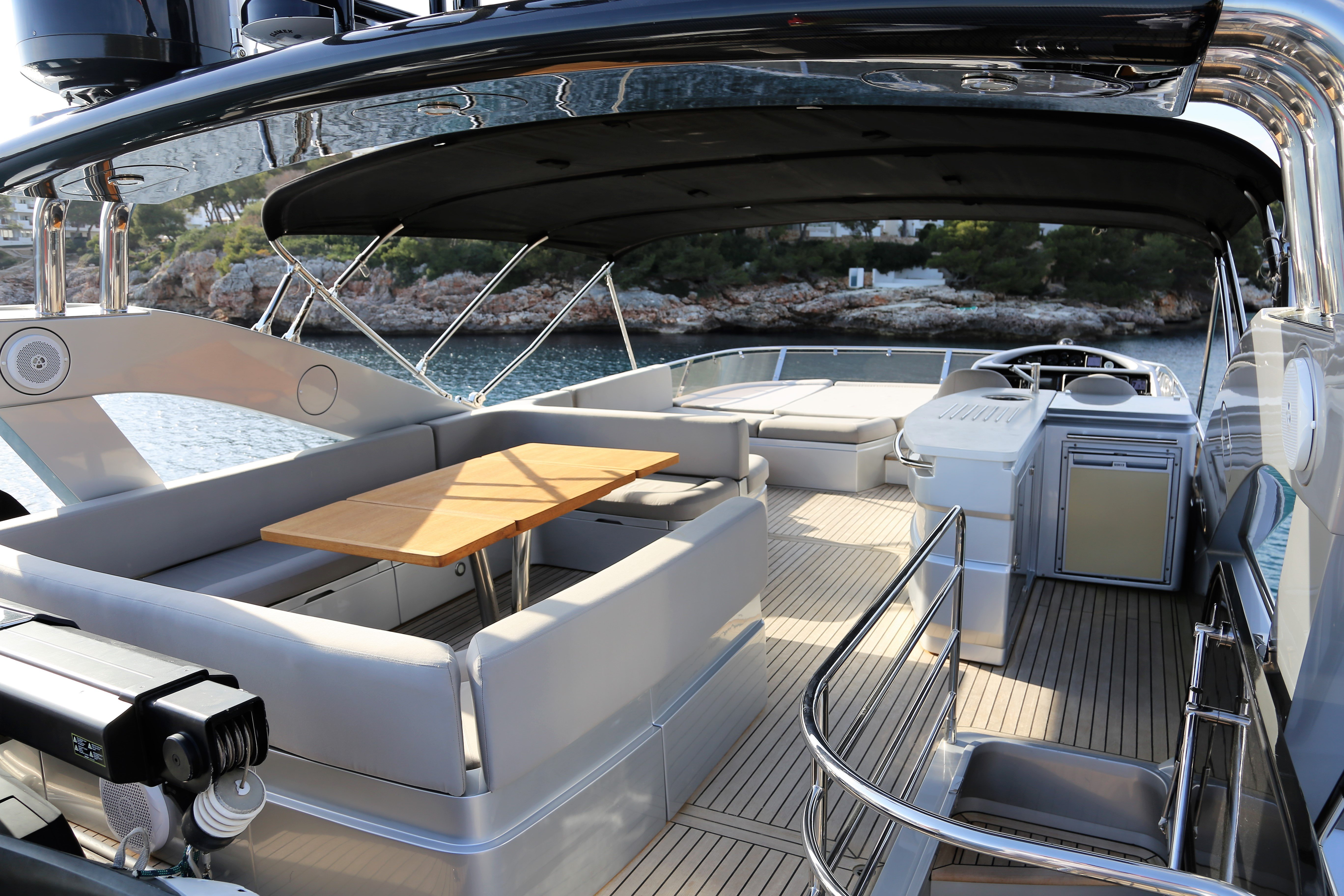 sunseeker manhattan 73 yacht for sale 19