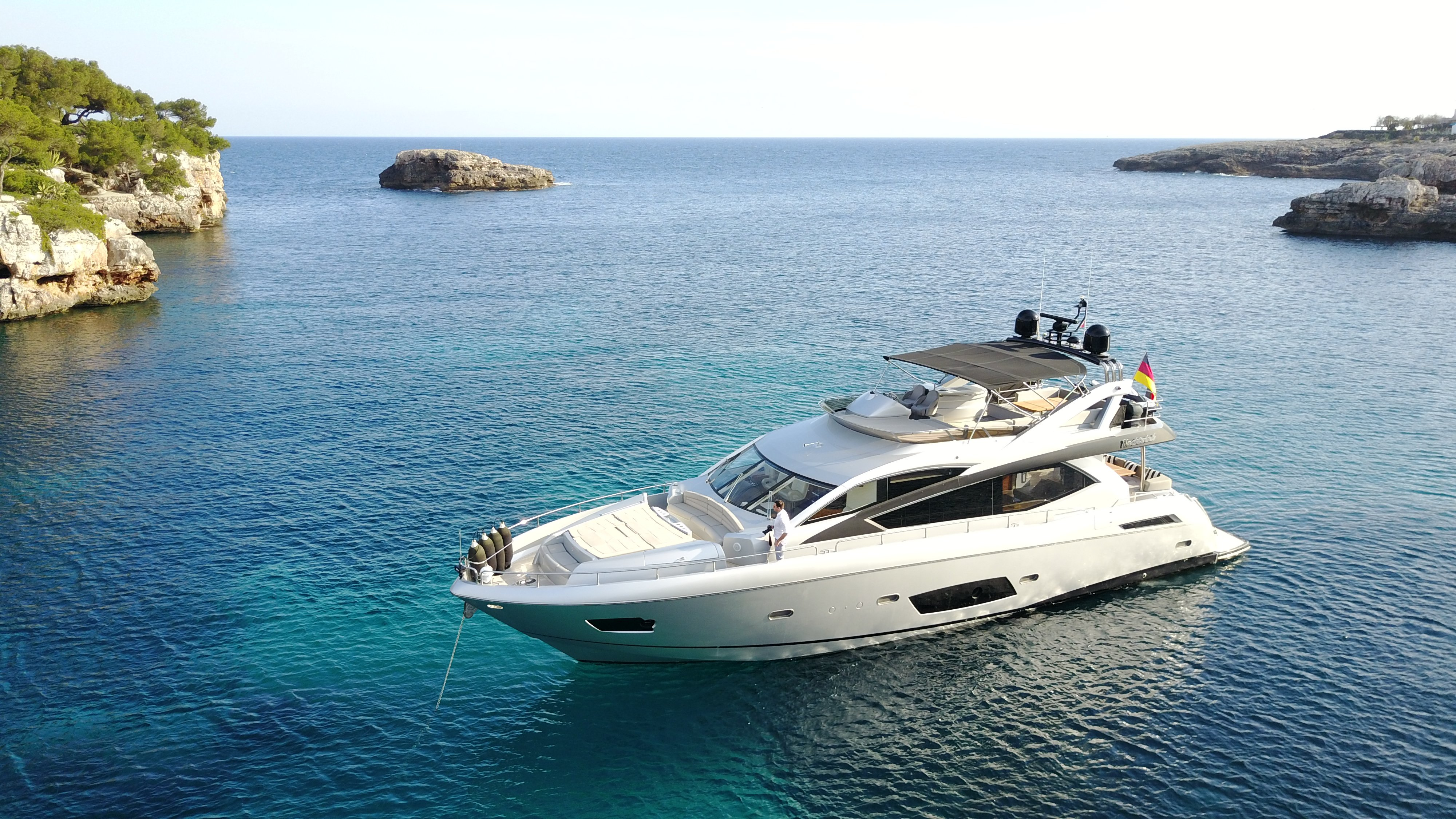 sunseeker manhattan 73 yacht for sale 37