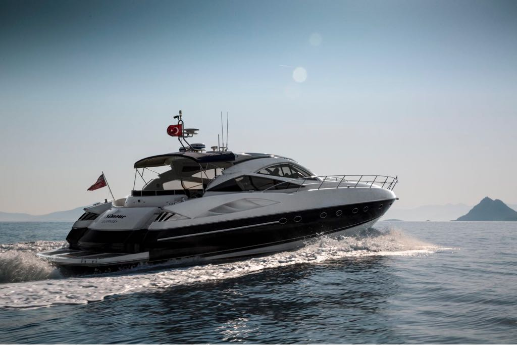 Sunseeker Predator 68 Yacht For Sale Aft View